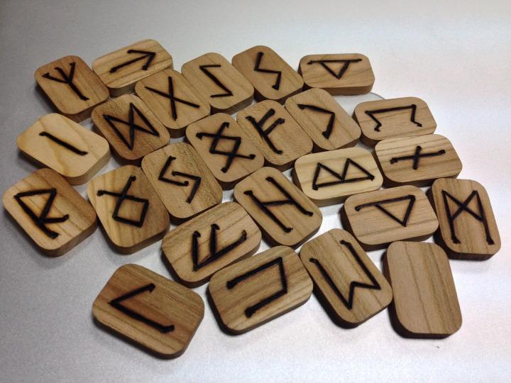 runes-1474991_1280